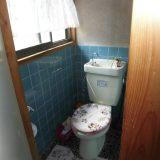 トイレの収納と窓の位置